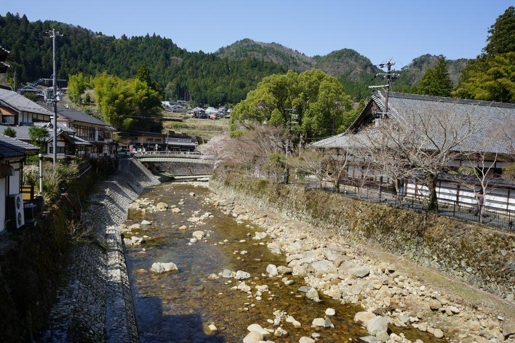 太鼓橋からの川の風景