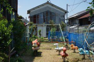 長谷寺駅からの階段横にある公園