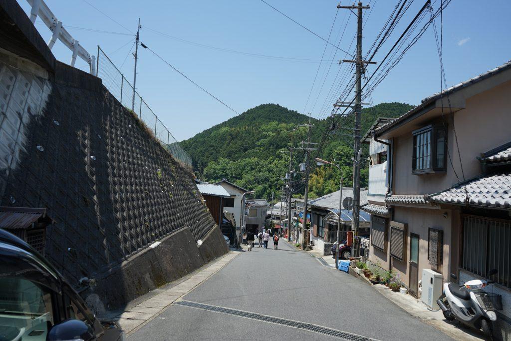 長谷寺へ向かう坂