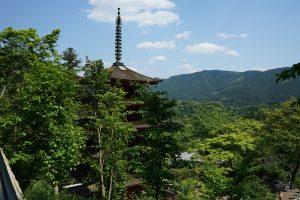長谷寺お堂からみた五重塔