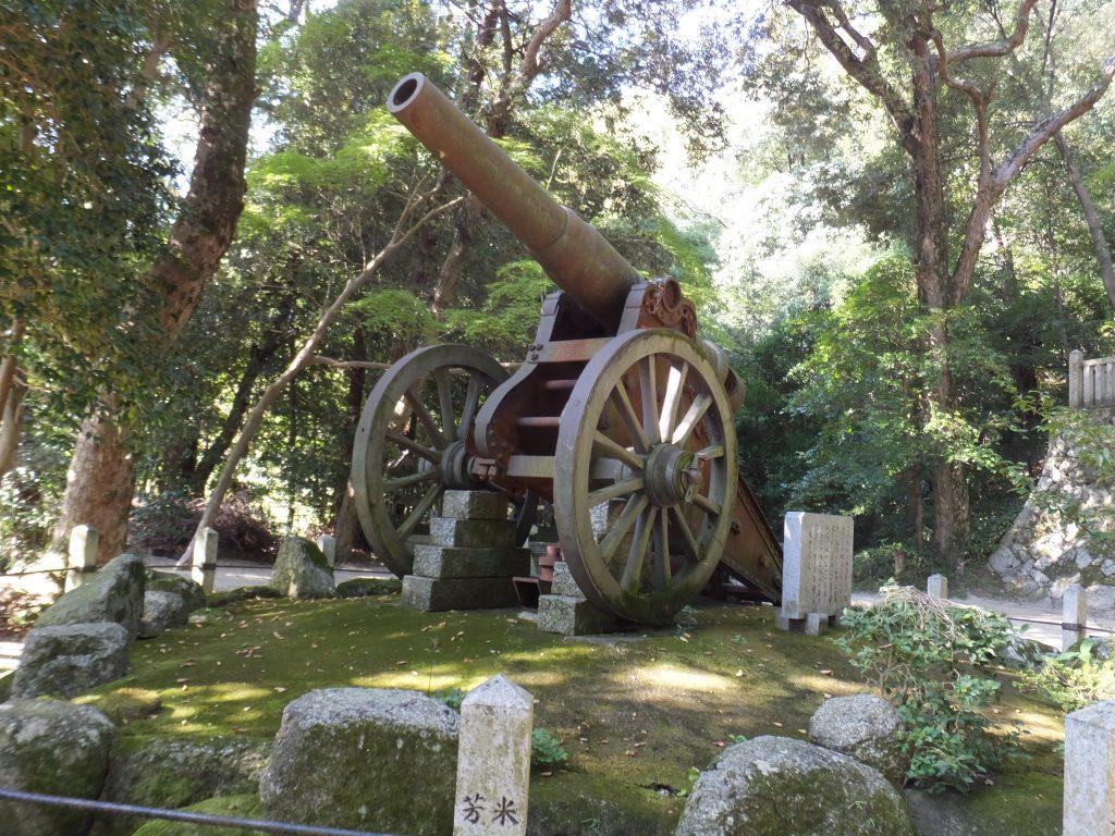 笛吹神社大砲