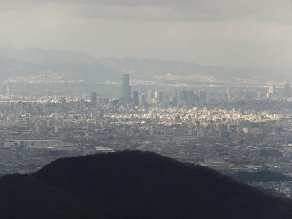 二上山雌岳から見たあべのハルカス