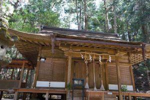 室生龍穴神社本殿